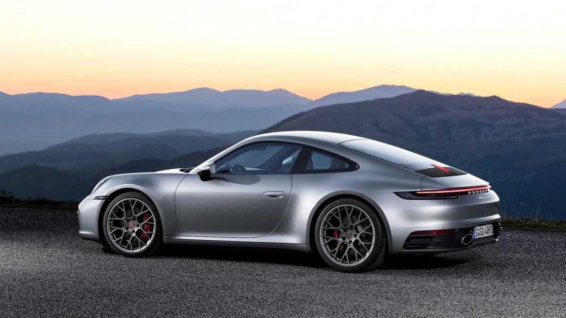 Specs and Review 2022 Porsche 911