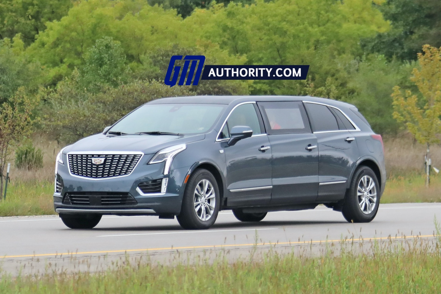 Price, Design and Review 2022 Spy Shots Cadillac Xt5