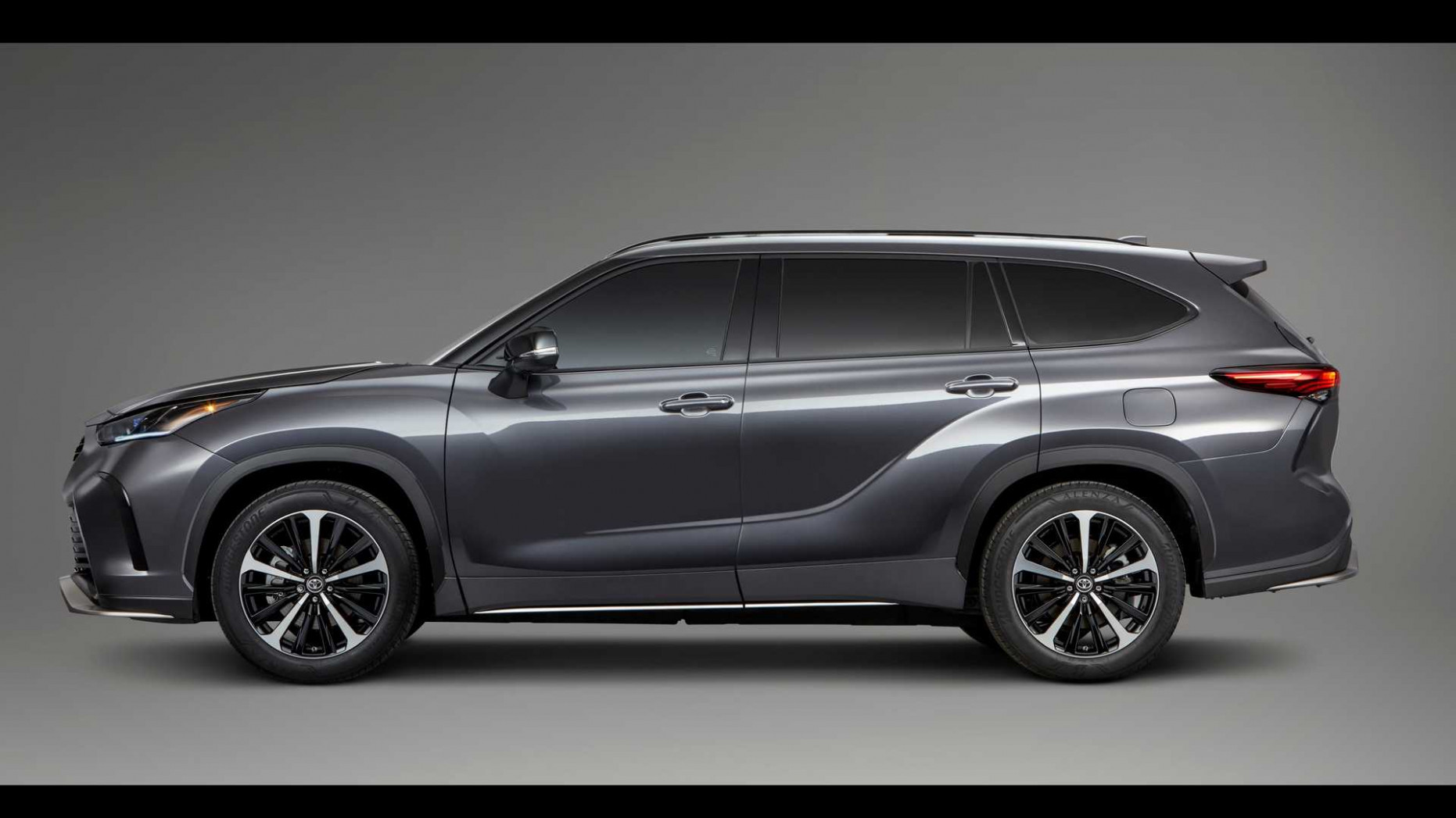 Pictures Toyota Outlander 2022