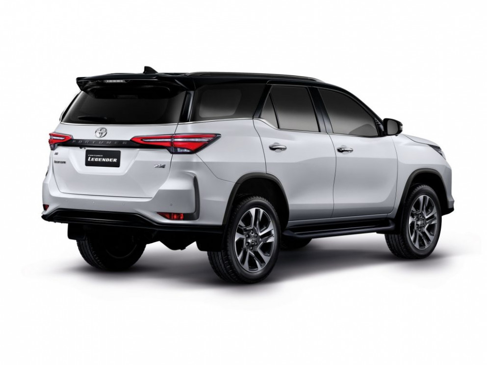 Review Toyota Fortuner 2022