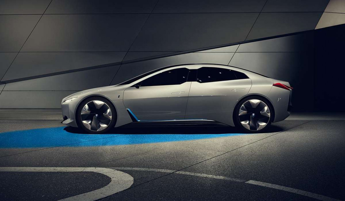 Concept and Review BMW I4 2022