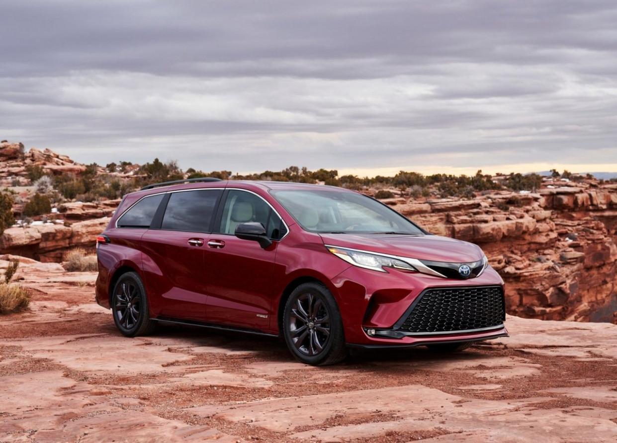 Photos Toyota Minivan 2022