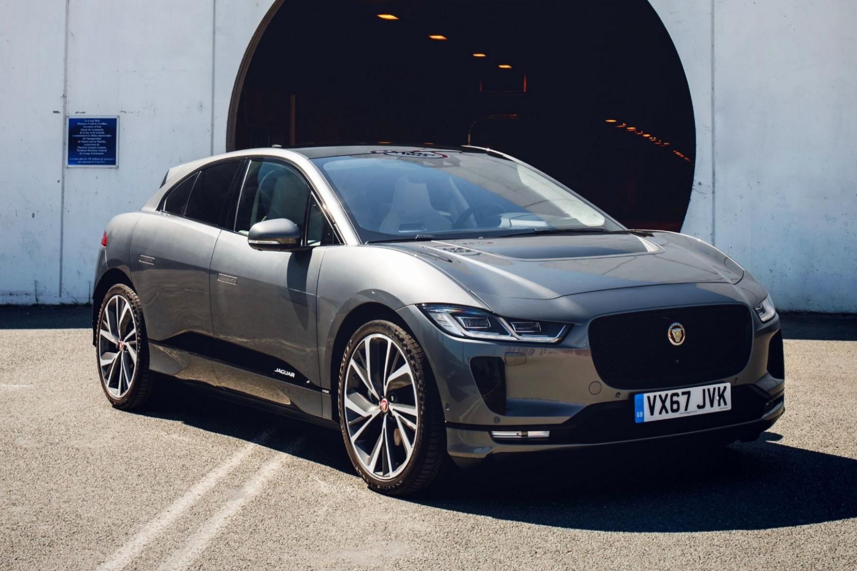 Photos 2022 All Jaguar Xe Sedan