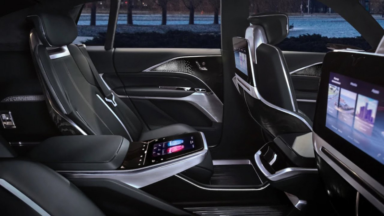 First Drive 2022 Cadillac Xt5 Interior