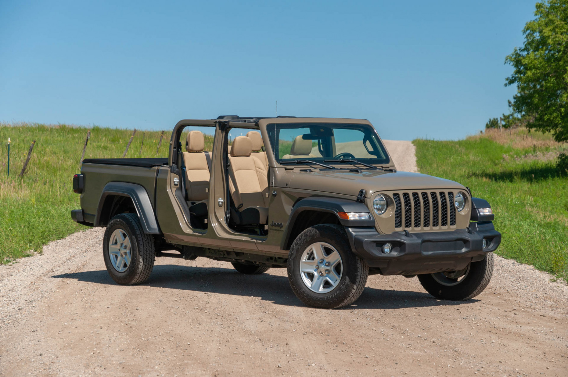 Performance and New Engine 2022 Jeep Gladiator Overall Length