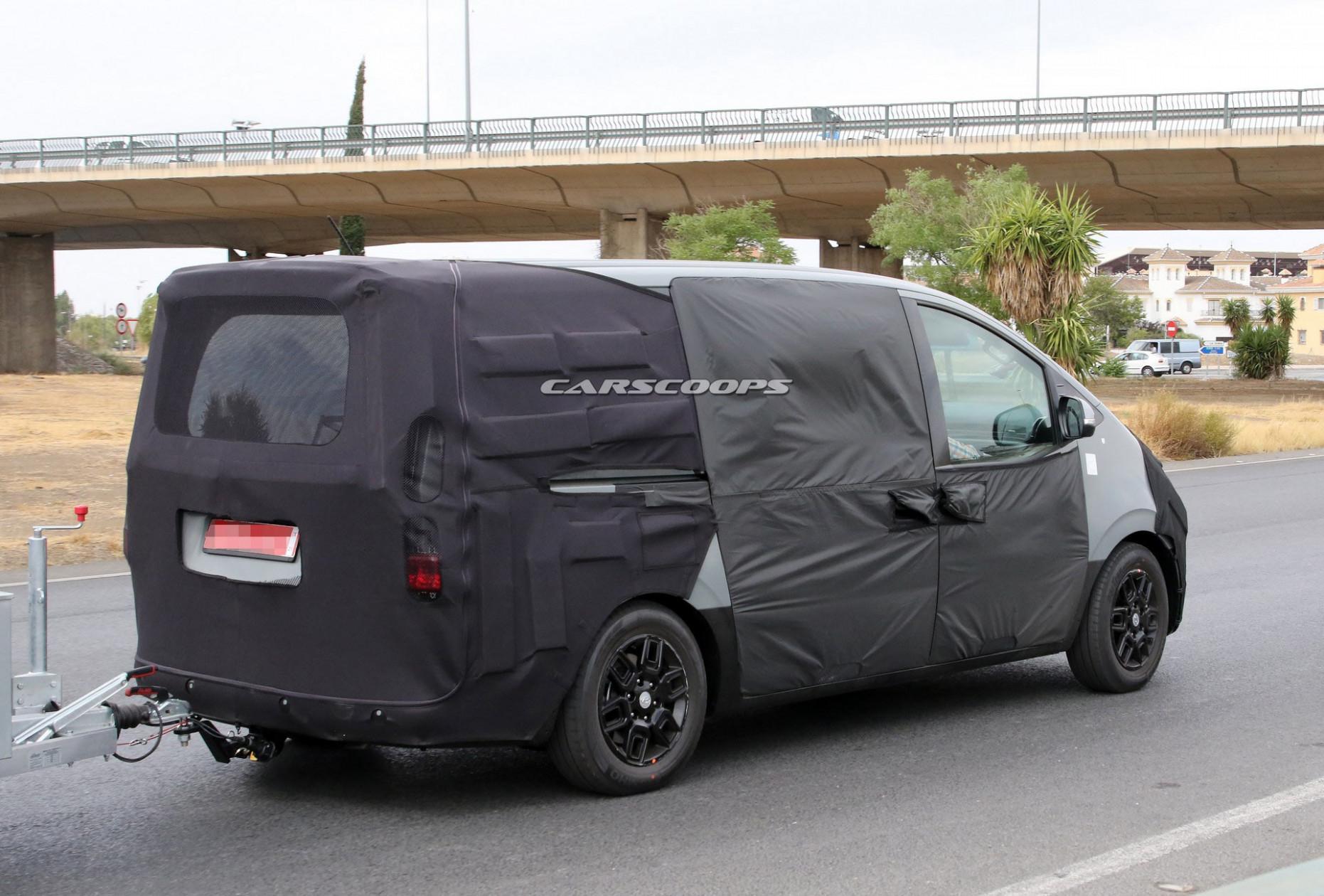 Exterior and Interior 2022 Hyundai Starex